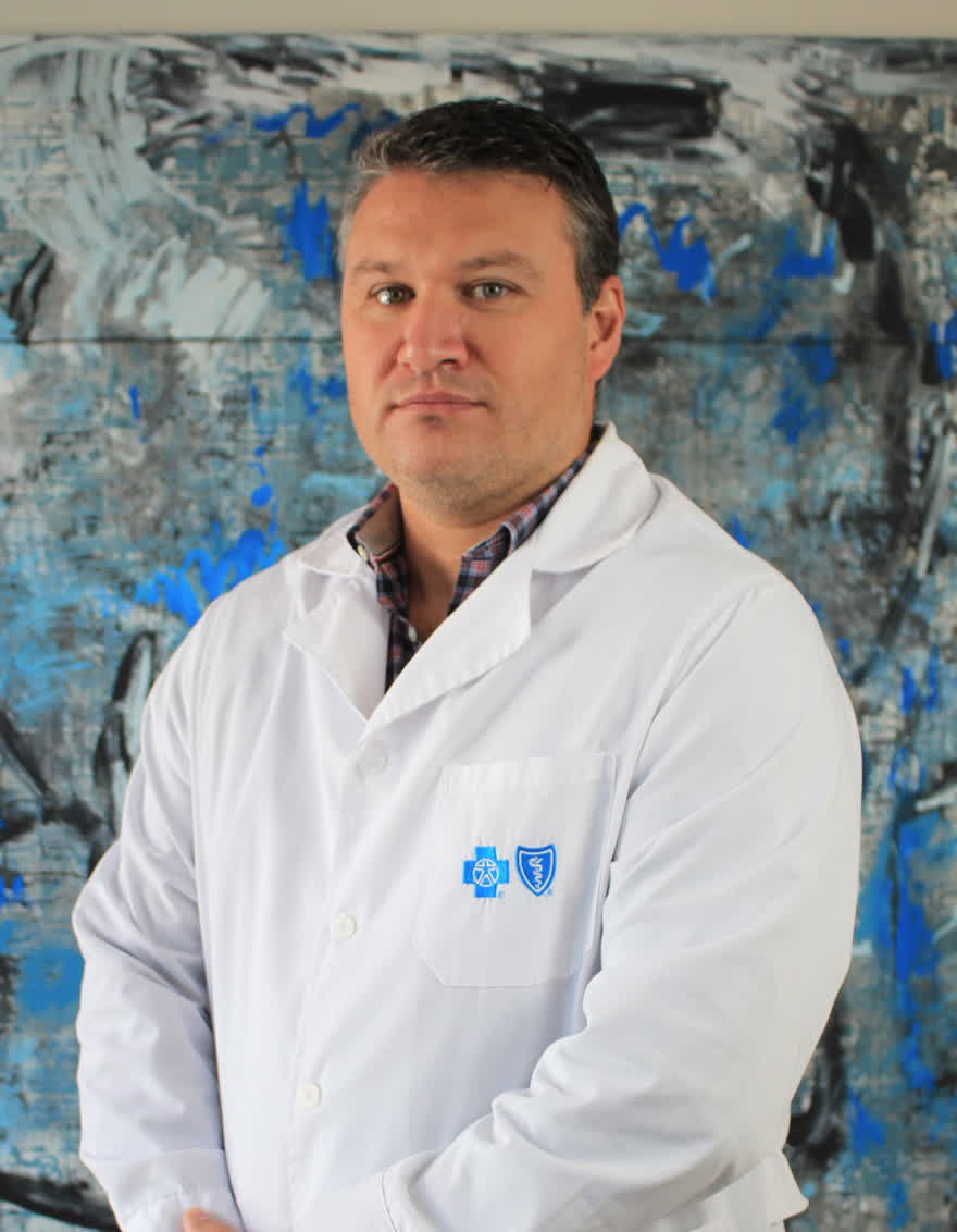 Dr. Emmanuel Montaña
