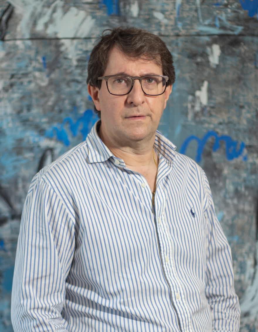 Dr. Daniel Estévez